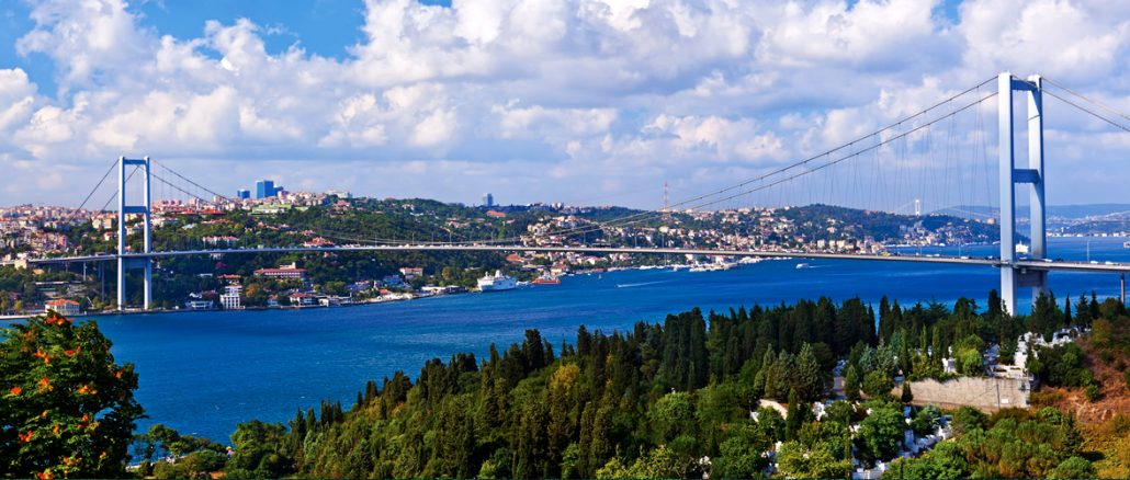 Bosphorus Cruise and Asia Tour